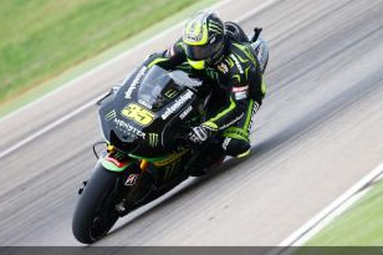 Pebalap Yamaha Tech3 asal Inggris, Cal Crutchlow, melintasi Sirkuit MotorLand Aragon, pada GP Aragon, Minggu (29/9/2013).
