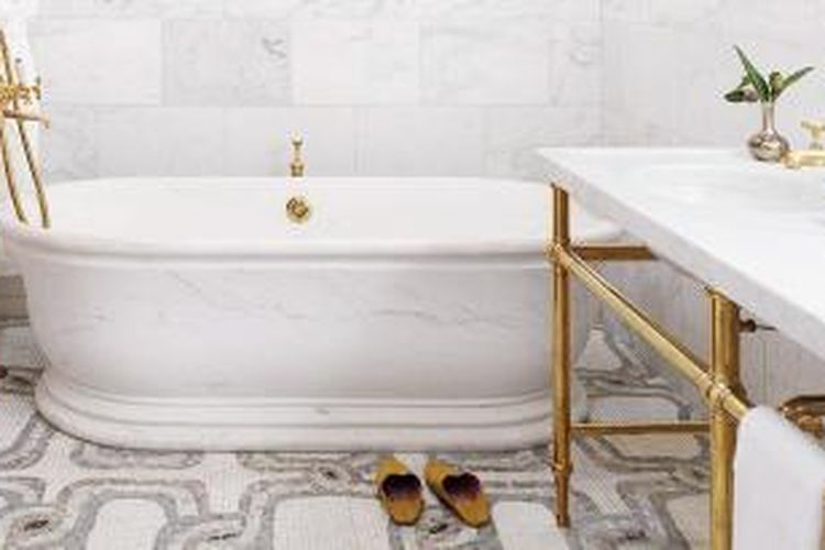 Ternyata, ada cara mudah membersihkan kamar mandi dengan memanfaatkan bahan-bahan alami.