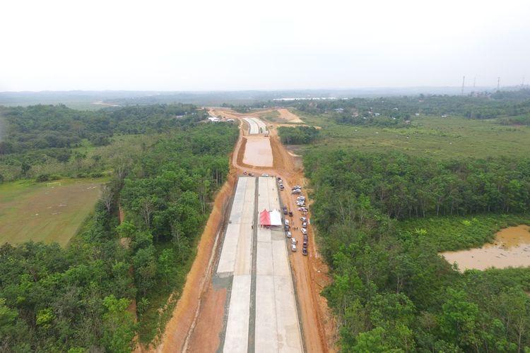 Progres pembangunan Jalan Tol Balikpapan - Samarinda saat tinjauan Gubernur Kaltim Isran Noor berserta jajarannya belum lama ini.