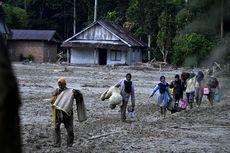 Lalui Medan Sulit Sepanjang 7 Kilometer, Relawan: Ada 300 Warga Butuh Bantuan