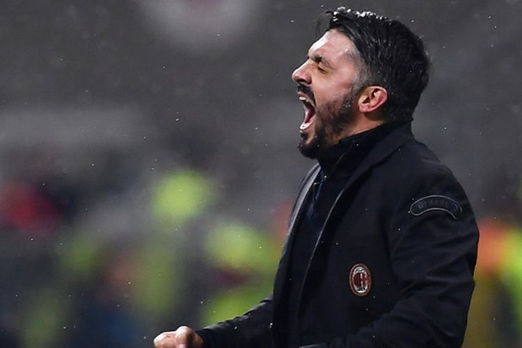 Pelatih AC Milan, Gennaro Gattuso, merayakan kemenangan atas Bologna dalam laga Liga Italia di Stadion San Siro, Milan, pada 10 Desember 2017.