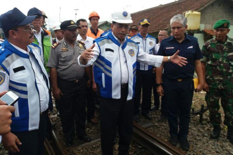 Menteri Perhubungan Budi Karya Sumadi,di Stasiun Cicurug, Sukabumi, Selasa (7/11/2017).