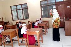 Cerita Hari Pertama PTM Sekolah Dasar di Tulungagung, dari Keliru Masuk Kelas hingga Salah Seragam