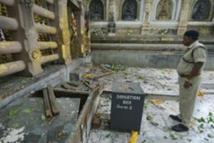 Serangan bom di tempat suci Buddha, Bodhgaya, tempat Sang Buddha menerima pencerahan.