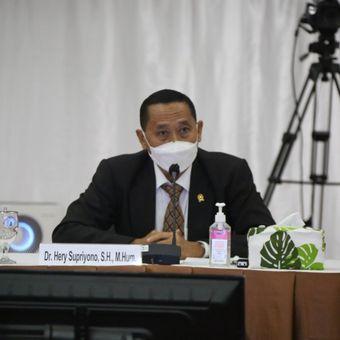 Calon Hakim Agung Hery Supriyono saat menjalani wawancara terbuka seleksi calon hakim agung yang digelar Komisi Yudisial, Kamis (5/8/2021).