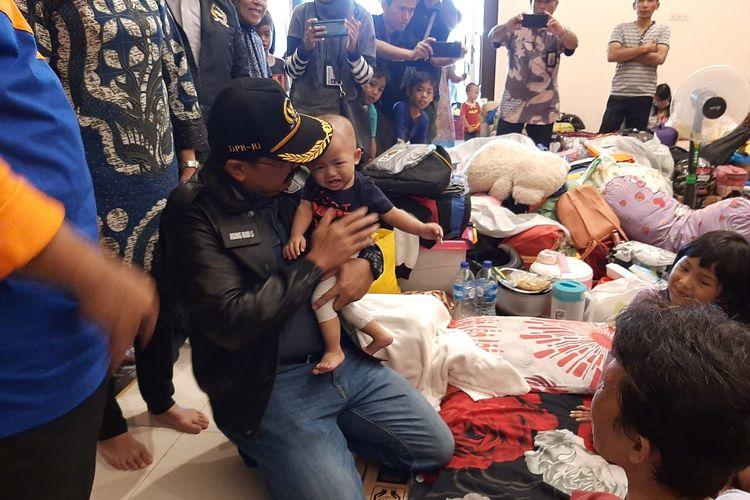 Situasi pengungsian korban banjir di Gelanggang Pengadegan, Pancoran, Jakarta Selatan, Jumat (3/1/2020).