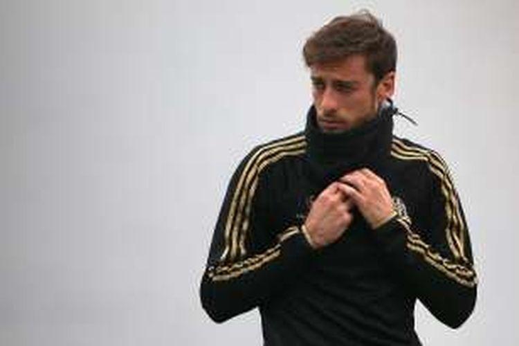 Gelandang Juventus, Claudio Marchisio, kembali mengalami cedera serius. Ia pun terancam tak bisa membela Italia di ajang Piala Eropa 2016.