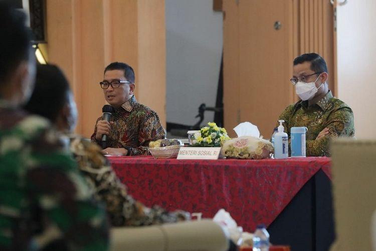 Ketua Panitia Harwan 2020 Helmy Yahya bersama Mensos Juliari P. Batubara.