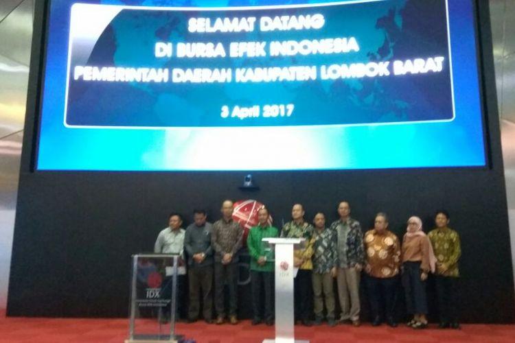 Pemerintah Daerah Kabupaten Lombok Barat membuka perdagangan Bursa Efek Indonesia, Senin (3/4/2017).