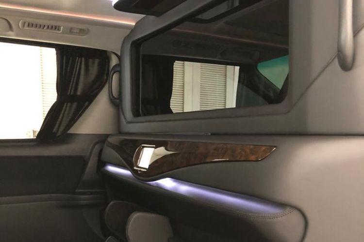 Pasang partisi di kabin mobil