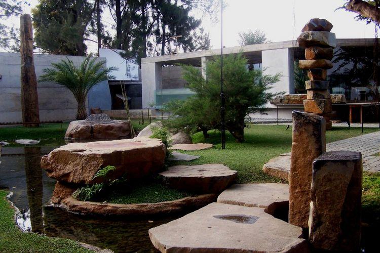 Monumen Ruang Seni di Wot Batu