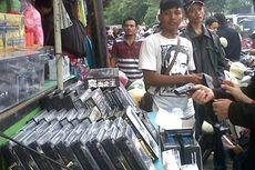 Omzet Pedagang Mainan di Pasar Gembrong Naik 10 Kali Lipat