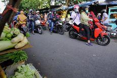 Risma Sampai Blusukan Pakai Motor ke Gang Kecil, Hanya untuk Ingatkan Warga Pakai Masker