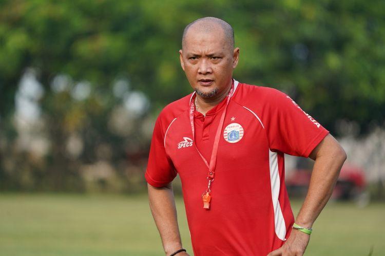 Sudirman menjadi pelatih sementara Persija Jakarta.