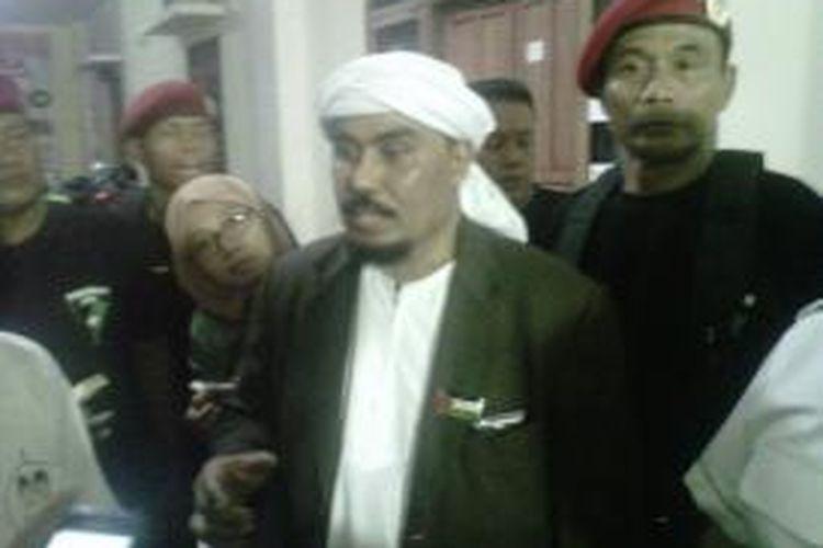 Pimpinan FPI Jateng-DIY Bambang Teddy menyampaikan dukunganya kepada pasangan Prabowo-Hatta