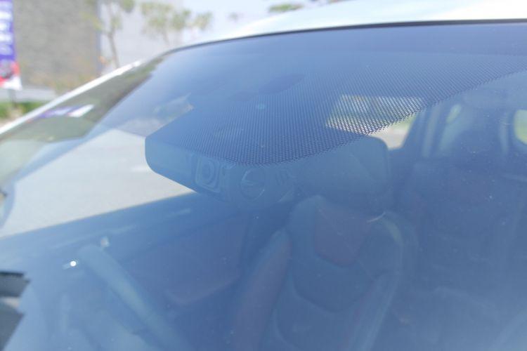 Vehicle Running Recorder atau kamera dasbor yang ada pada DFSK Glory 580.