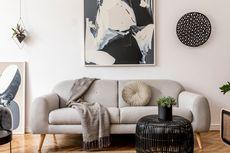 8 Ide Menghias Tampilan Dinding di Belakang Sofa Ruang Tamu