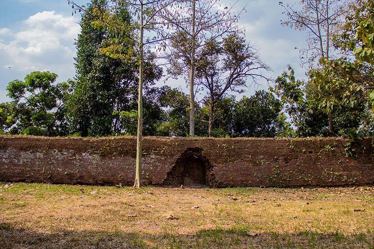 Jebolan Pecinan yang merupakan peninggalan peristiwa Geger Pecinan di  Benteng Sri Menganti sisi utara Keraton Kartasura.
