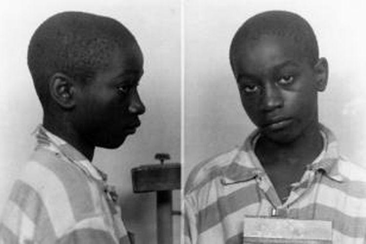 George Stinney Jr baru berusia 14 tahun saat menjalani eksekusi hukuman mati pada 1944 karena dianggap terbukti membunuh dua anak perempuan.