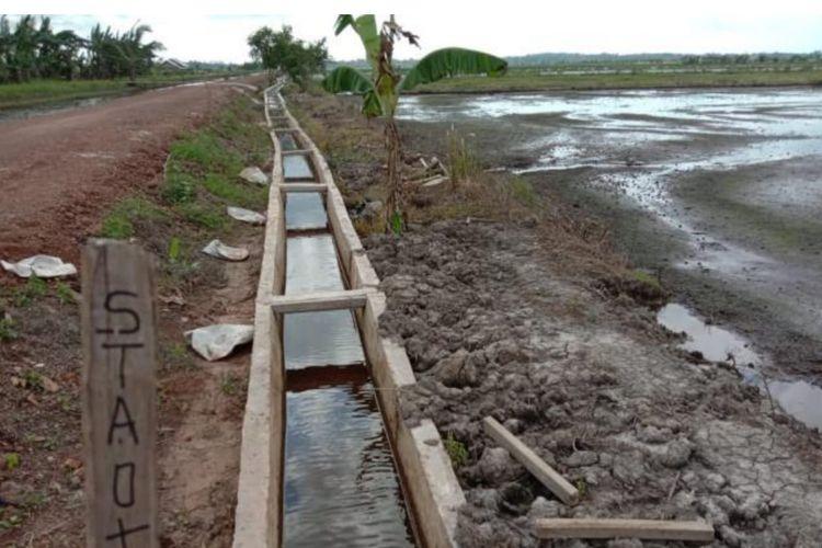 Program RJIT Kementan yang dimanfaatkan untuk membuat saluran irigasi di Kabupaten Bangka Selatan, Provinsi Kepulauan Bangka Belitung, tepatnya Batu Betumpang, Kecamatan Pulau Besar.