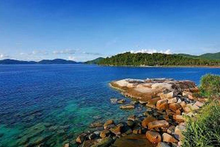 Pantai Tanjung Momong di Kepulauan Anambas, Provinsi Kepulauan Riau.