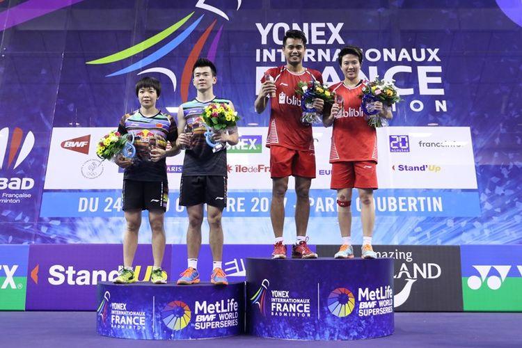 Tontowi Ahmad/Liliyana Natsir memupuskan satu-satunya harapan Tiongkok untuk membawa pulang gelar dari French Open Super Series 2017 setelah mengandaskan perlawanan Zheng Siwei/Chen Qingchen, dengan skor 22-20, 21-15.
