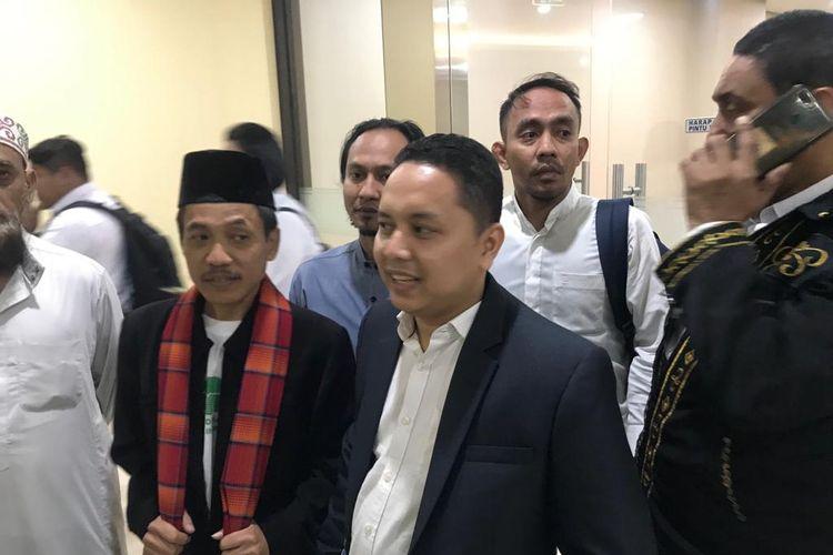 Kuasa hukum sekelompok orang yang mengaku sebagai pecinta Ustaz Abdul Somad, Pitra Romadoni, di Gedung Bareskrim Polri, Jakarta Selatan, Selasa (20/9/2019).