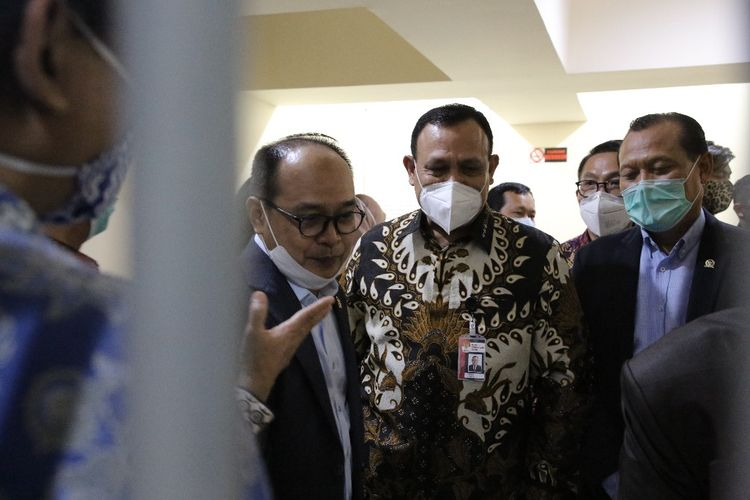 Ketua KPK Firli Bahuri dan sejumlab anggota Komisi III DPR meninjai Rutan Cabang KPK usai rapat dengar pendapat di Gedung Merah Putik KPK, Selasa (7/7/2020).