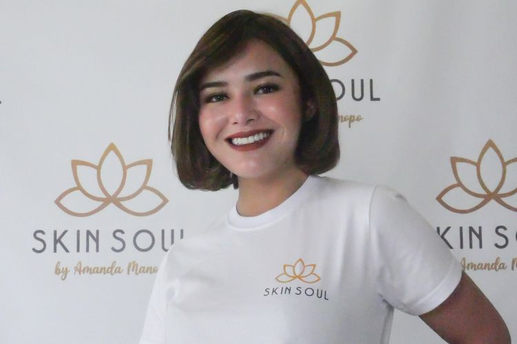 Aktris Amanda Manopo