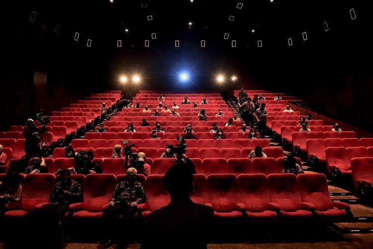 Menonton di bioskop dengan protokol kesehatan era new normal