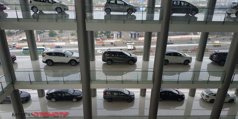 Diler Honda Nusantara MT Haryonopunya showroom terbesardi Indonesia.