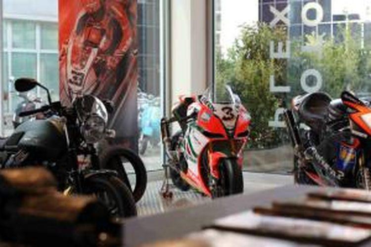 Salah satu sudut Motoplex di Milan, Italia.
