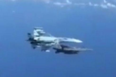 Jet Tempur Rusia Su-27 Tempel Jet Tempur NATO dalam Manuver Berbahaya