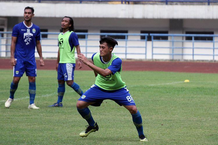 Alfeandra Dewangga menjalani seleksi bersama Persib Bandung, di Stadion Gelora Bandung Lautan Api (GBLA), Kota Bandung, Selasa (27/8/2019).