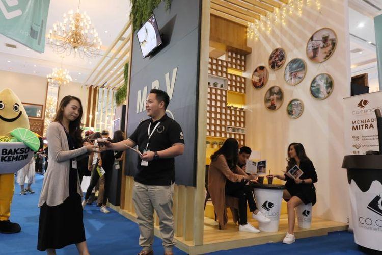 Booth MBV, pemilik brand waralaba Co Choc di IFRA, Jakarta.