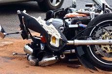 Dua Pemuda Berboncengan Motor Tewas Setelah Menabrak Mobil