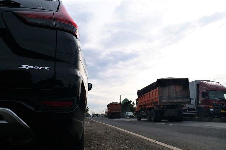 Fenomena menyalip dari Kiri di jalur Pantura saat Komprasi Jalur Trans Jawa