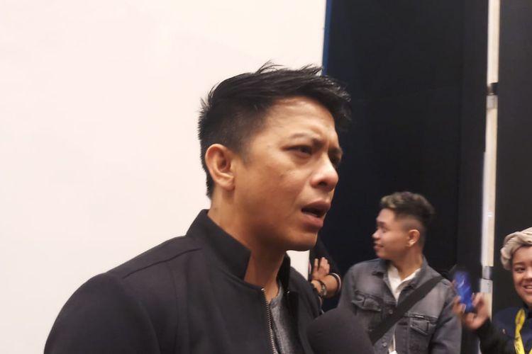 Vokalis band NOAH, Ariel saat ditemui di kawasan Kebon Jeruk, Jakarta Pusat, Selasa (24/12/2019) dini hari.