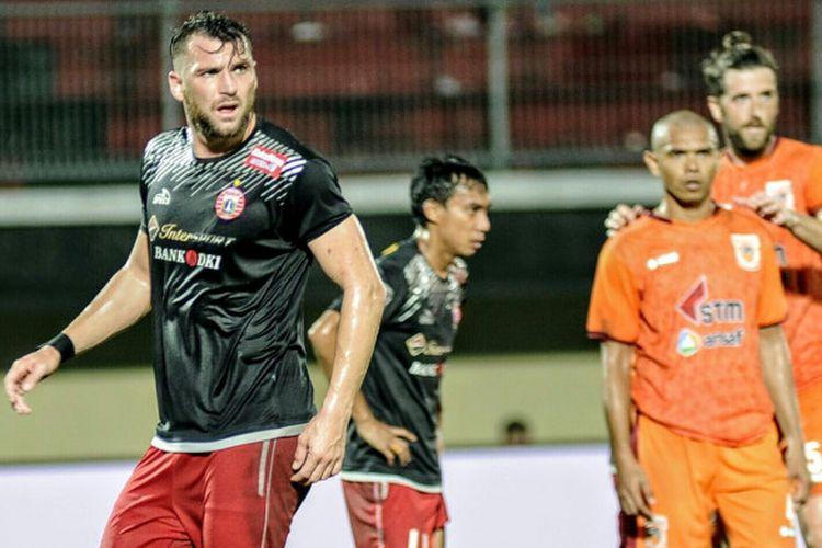 Aksi penyerang Persija Jakarta, Marko Simic, saat menghadapi Borneo FC di pertandingan Grup D Piala Presiden 2018, Rabu (24/2/2018).