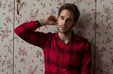 Lirik dan Chord Lagu Share Your Address - Ben Platt