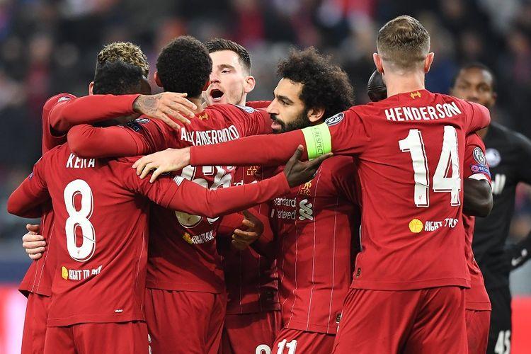 Tim Liverpool merayakan gol dalam pertandingan Grup E Liga Champions antara RB Salzburg vs Liverpool FC pada Selasa (10/12/2019) di Salzburg, Austria.