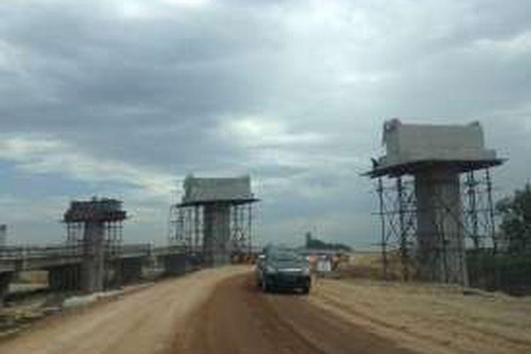 Progres pembangunan proyek Tol Trans Sumatera ruas Tol Medan-Binjai, Senin (29/2/2016).