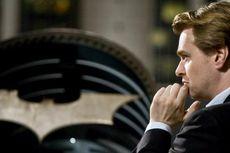 Gabung Universal, Christopher Nolan Siap Garap Film tentang Pembuat Bom Atom