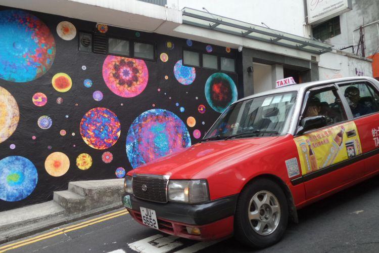 Salah satu spot street art di kawasan Old Town Central, Hongkong.