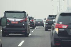 Bukan Mobil Berpelat Dewa, Ini Kendaraan yang Boleh Melintas di Bahu Jalan