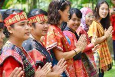 Ulos, Pakaian Adat Sumatera Utara