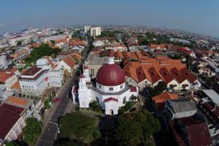 Bangunan Gereja GPIB Immanuel atau lebih populer disebut Gereja Blenduk difoto dari udara, di Semarang, Jawa Tengah, Minggu (29/6/2014). Gereja yang berada di kawasan kota tua Semarang ini dibangun tahun 1753.