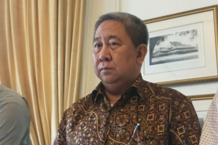 Anggota Dewan Pengawasan BPJS Ketenagakerjaan Syafri Adnan Baharuddin usai menanggapi tuduhan pelecehan seksual terhadap anak buahnya. Syafri menggelar konferensi pers di Hotel Hermitage, Minggu (30/12/2018).