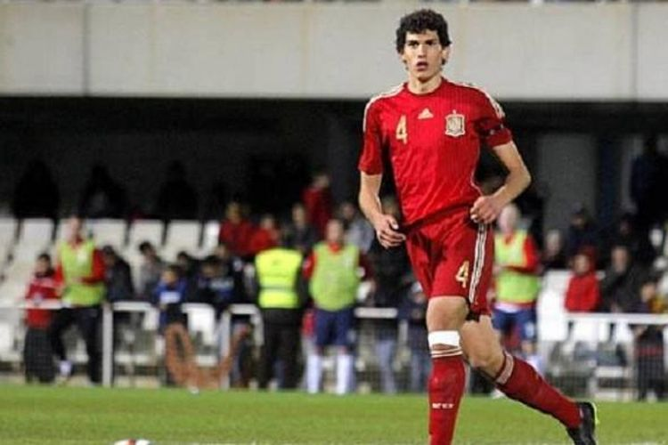 Bek Real Zaragoza asal Spanyol, Jesus Vallejo.