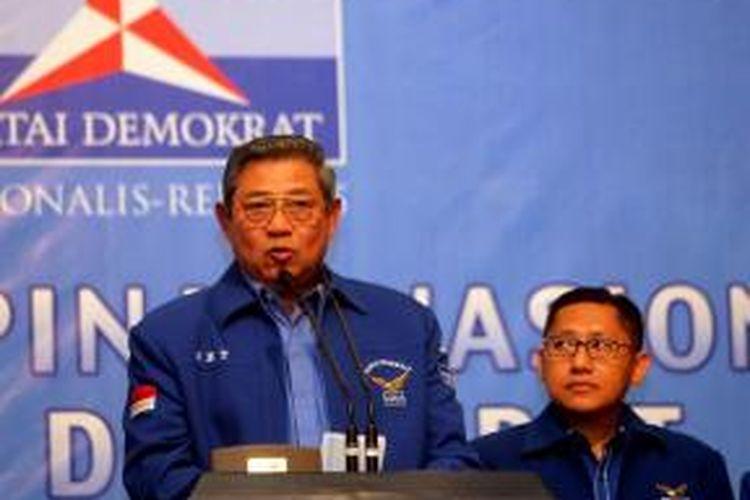 Ilustrasi. Ketua Umum Partai Demokrat Susilo Bambang Yudhoyono (kiri) dan Anas Urbaningrum. Gambar diambil pada Minggu (17/2/2013).